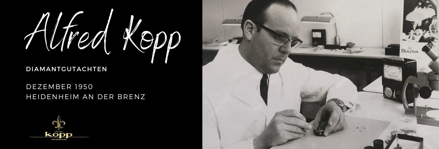 Alfred Kopp Inhaber bei der Reparatur einer Uhr in der Werkstatt des Juwelier Kopp Heidenheim
